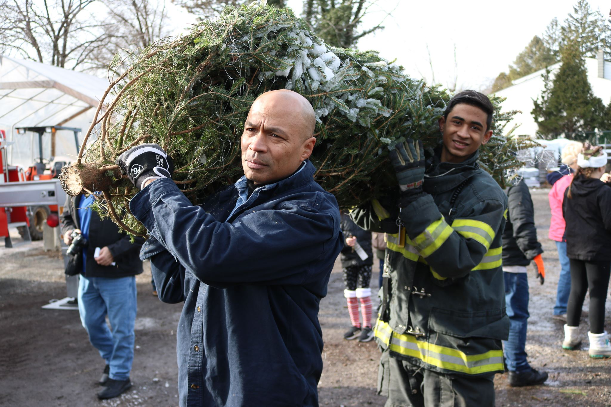 Mayor Soriano volunteering at Trees for Troops